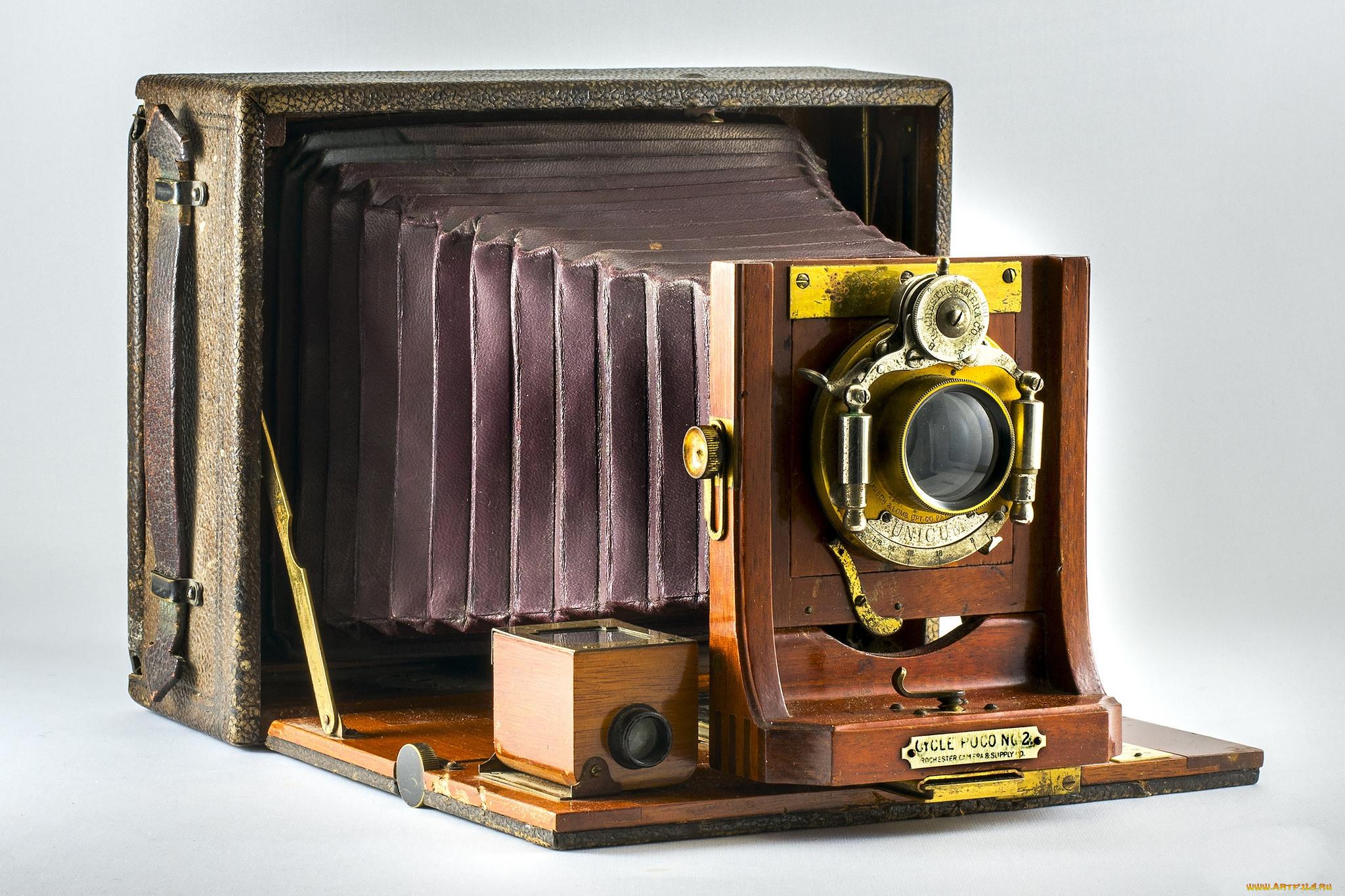 создатель фотоаппарата первого сторожевой